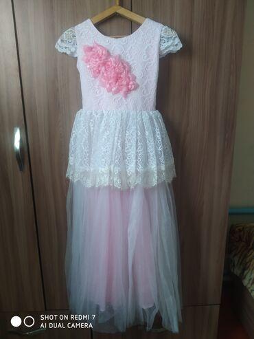 Продается праздничное, красивое платье на девочку 11-15 лет, шубка в