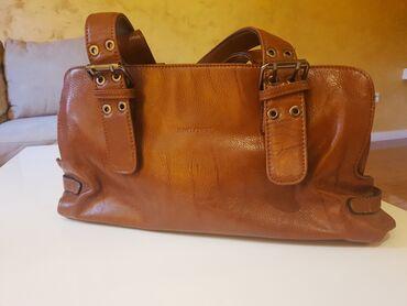 Torba dimenzije - Srbija: Zenska torba marke David Jones.Malo koriscena, bez ostecenja.Okvirne