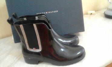 - Azərbaycan: Резиновые ботинки.Томи Хилфигер, одеты 4 раза, размер 38,куплены за