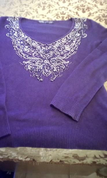 σε Φιλιατρά: Ιδιαίτερη. μωβ μπλουζα σχεδον καινουργια αψογη λογω αλλαγής νουμερου