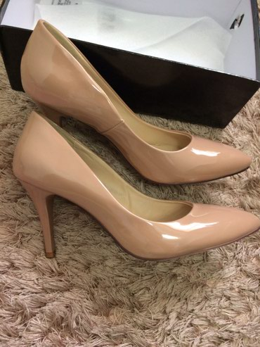 shoes в Кыргызстан: Продам красивые удобные туфли!