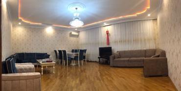 ремонт машины в Азербайджан: Сдается квартира: 3 комнаты, 150 кв. м, Баку