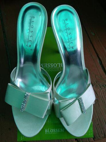 Женская обувь в Каинды: Листайте, разные модели, абсолютно новые босоножки 39-40 размер