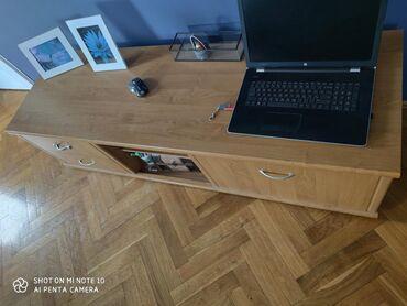 Nameštaj - Backa Palanka: Prodajem komodu za TV stanje kao na slikama, dimenzije 165x52x44