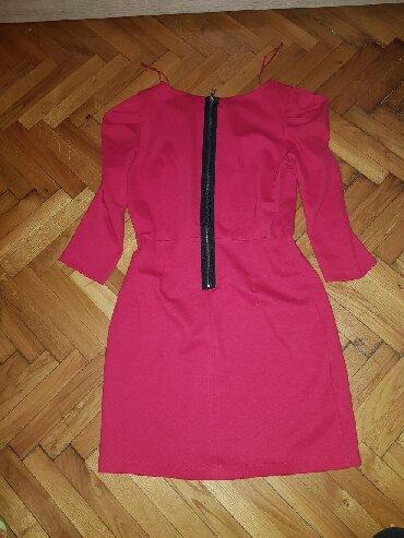 Haljina-boje - Srbija: Haljina je bas crvene boje, velicine 40