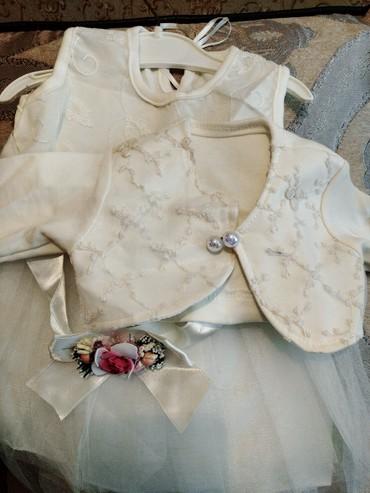 Платье на 1 годик. носился 1 раз. в Беловодское