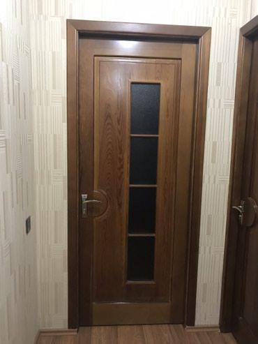 Bakı şəhərində Temiz taxta qapi (6 eded) , 4 otaq( 2.20 /90) 2 hamam tualet(