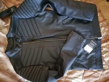 Prodajem musku jaknu S velicina. Nova Turska