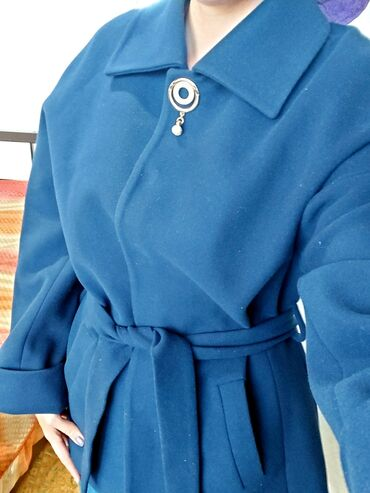 женская пальто в Кыргызстан: Турецкое кашемировое пальто. Очень качественное, не скатывается. Оде