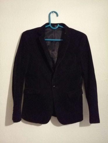 Пиджак фирменный подростковый размер 50. в состояние нового. в таласе в Талас