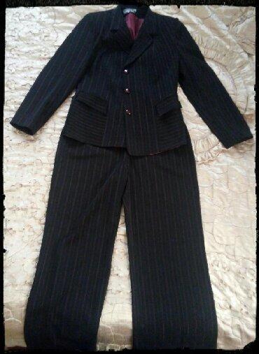 Qadın Geyimləri Zaqatalada: Kostum satilir 50 razmerdi tezedir asagisi olacaq