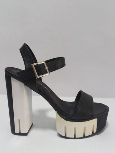 DANIELE GILARDO ITALY vrhunske kožne original sandale,prirodna fina