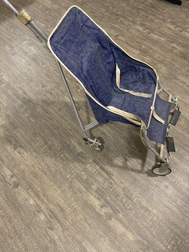 прогулочные-коляски-трехколесные в Кыргызстан: Продам коляску привнесён ссср есть недочетыно катать ребёнка можно