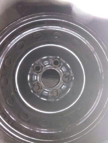 железные диски r14 в Кыргызстан: Продаю железные диски в отличном состоянии R14 (5×100). Стояли на тойо