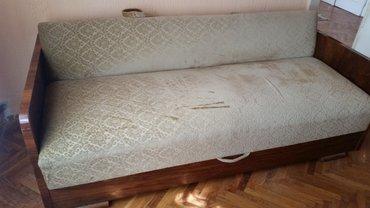 Kreveti | Srbija: Starinski kauč, u dobrom stanju. Dimenzije 200/100cm