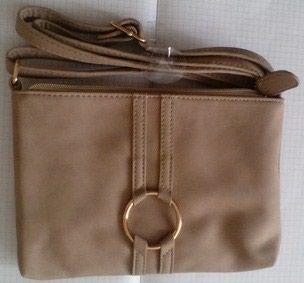 Od koze torbica - Srbija: NOVA AVON torbica, bez boje, od vestackog materijala koji podseca na