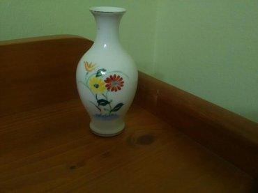 Lepa mala keramička vazica , figurica iz starih vremena, visina 10 cm. - Pozarevac