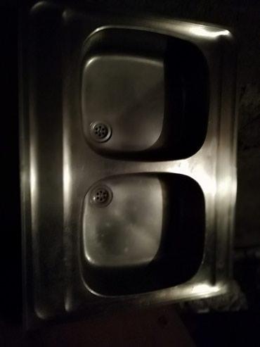 Prodajem dvodelnu sudoperu  U odlično stanju od rosvaja  4000d - Pancevo