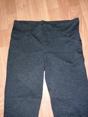 Crne-pantalone-sa-dzepovima - Srbija: Nove sive pantalone,sa koznim detaljima na dzepovima, vel. M