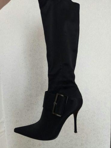 Черные модельные сапожки деми, 37-38 размер. Материал плотный шёлк