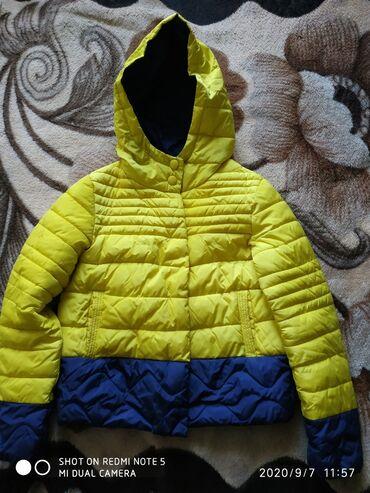 Куртка на девочку 10-13лет 400сом,на малыша, 1-2годика 200сом,жилетки