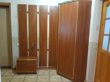 Продаю мебель для прихожей. Высота углового шкафа 1.95. Вешалки длина