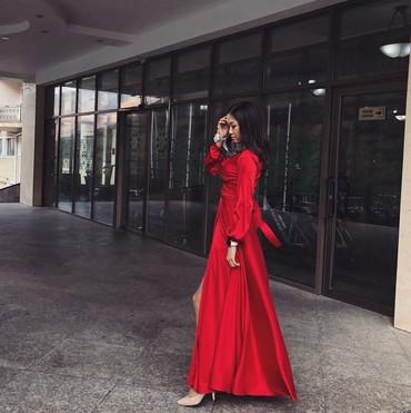 красное платье на свадьбу в Кыргызстан: Продаю очень красивое красное шёлковое платье Одевалось всего один раз