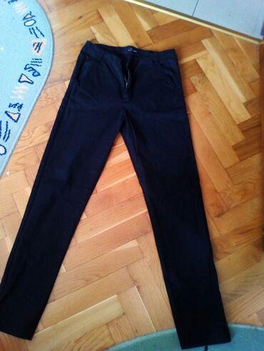 Sako crne boje - Srbija: Zenske pantalone, crna boja, tanji materijal, broj 31, samo 300 dinara