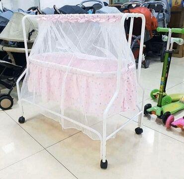 Детская мебель - Бишкек: Продаётся люлька покупали за 3800 состояние отличная