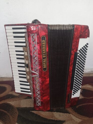 Продаю: аккордеон royal standard (montana) красного света 9-регистр