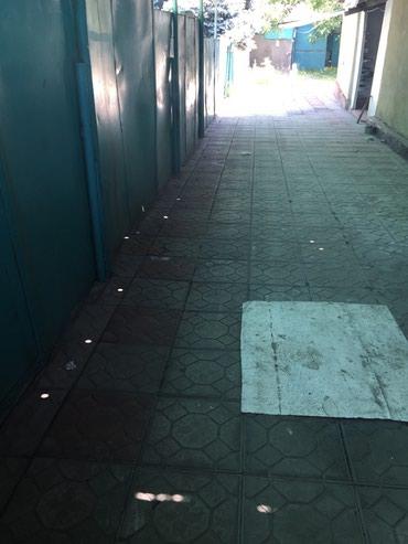 Сдаю дом  с 3 комнатами по улице в Бишкек