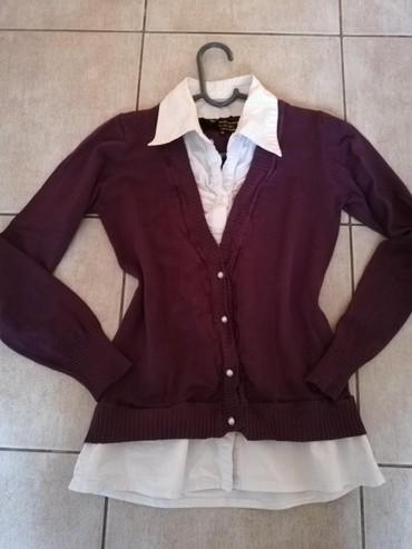 Ženska odeća | Nova Pazova: Džemper košulja. Veličina M. Nošena, bez tragova ostecenja