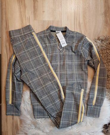 Kom sa etiketom - Srbija: Karirani komlet pantalone sa elastinom i jaknica-bluza vel. XS-S (176)