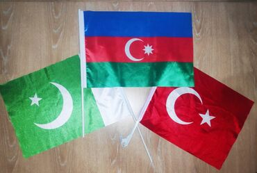 41 elan   BAYRAQLAR: Bayraq. Azərbaycan, Türk, Pakistan bayragi. Heresinden 1 eded qalib