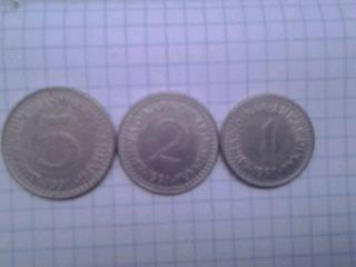 Gəncə şəhərində Yuqoslaviyanın sonuncu pulları. 5-dildə yazısı var. 1,2 və 5 dinar