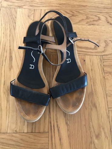 Kozne crne sandale broj 36 - Crvenka