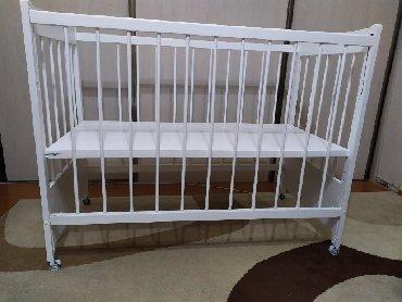 Детская мебель - Цвет: Белый - Бишкек: Детская кроватка, чешская б/у. Без матраца. В отличном состоянии. Купл