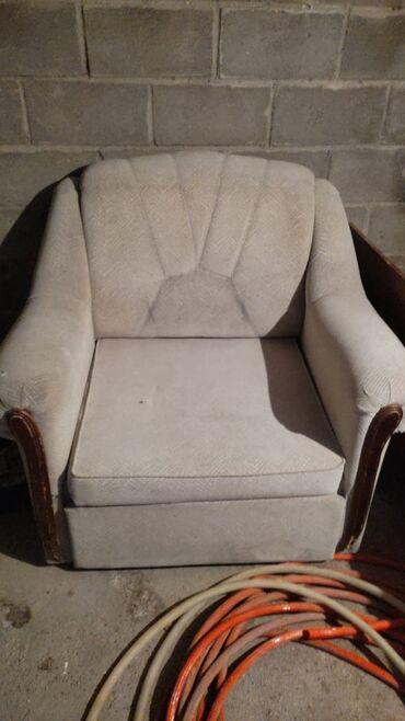продам кресло кровать in Кыргызстан | ДИВАНЫ: Продаю б/у спальный кровать по 2000т сом, кресло- кровать - 3000сом. Т