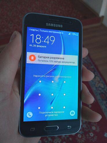 Мобильные телефоны и аксессуары - Кыргызстан: Б/у Samsung Galaxy J1 2016 8 ГБ Черный