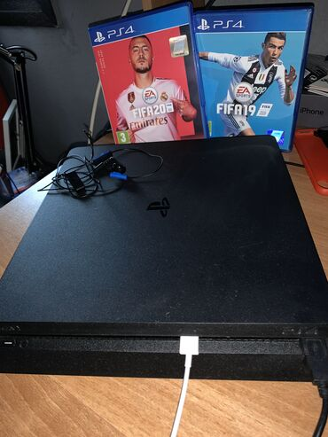 PS4 500 GB BLACK  FIFA 19