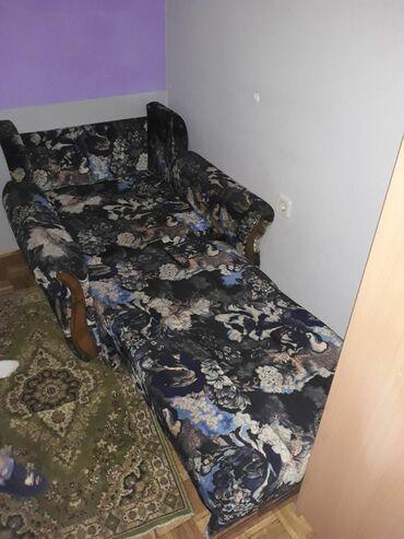 Lezaj fotelja