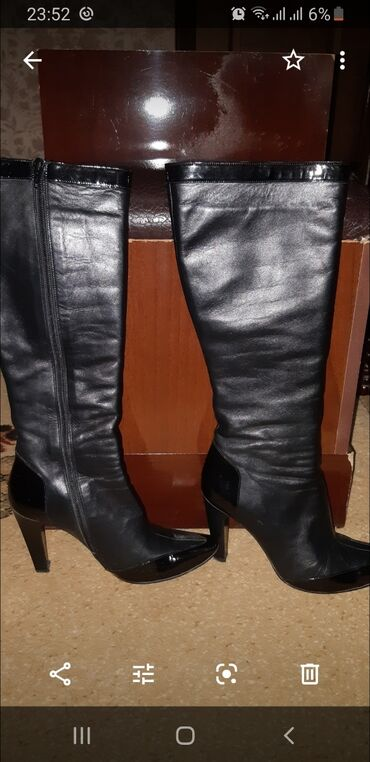Продаю сапоги из натуральной кожи, б/у размер 38, производство Италия