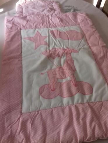 Cetka za ispravljanje kose - Kula: Posteljina za krevetić očuvana roze bela,jorgan jastuk i ogradica