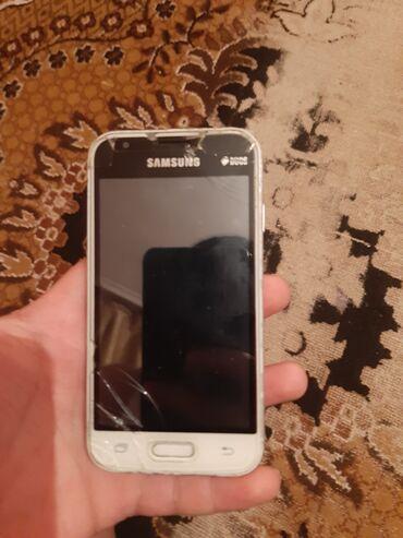 Samsung - Bakı: İşlənmiş Samsung Galaxy J1 Mini 8 GB qara