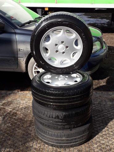 """титановые диски 15 размер в Кыргызстан: Продаю резину """"DUNLOP"""" на Mercedes с титановыми дисками. Привезенные"""