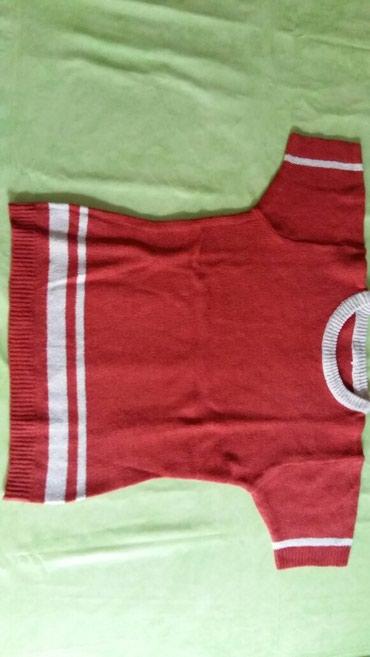 Zenska majica univerzalne vel.ali to je neki br.M,deblja je,polovna i - Petrovac na Mlavi