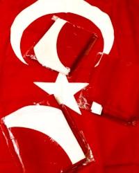 Yeni bayraqlar. Ölçüsü 105/70 sm. Türkiyədə alınıb. Balaca bayraqlarda