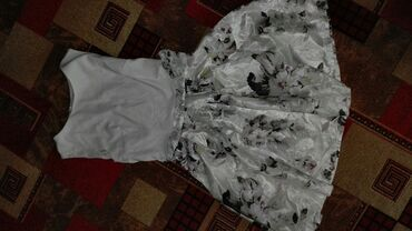 Детский мир - Каракол: Продаю платье недорого. Состояние отличное