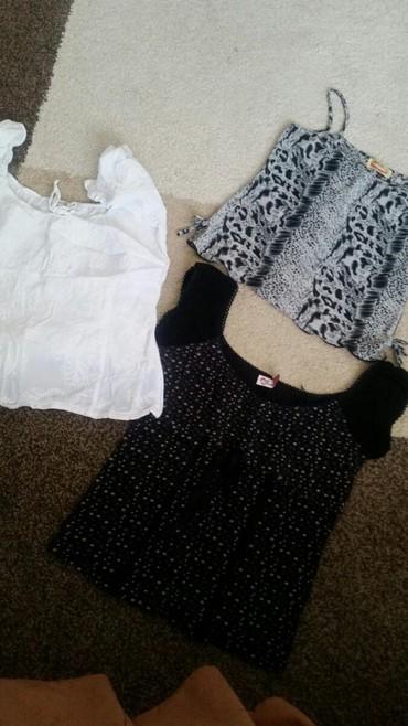 Majice ženske bela, cvetna i zebrasta.Jedna 500 din  - Pirot