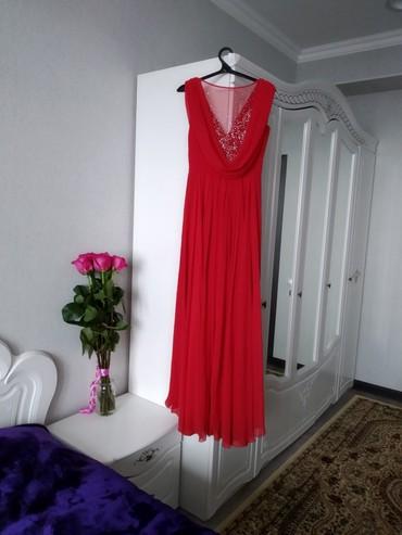 Платье вечернее красное с небольшим в Бишкек